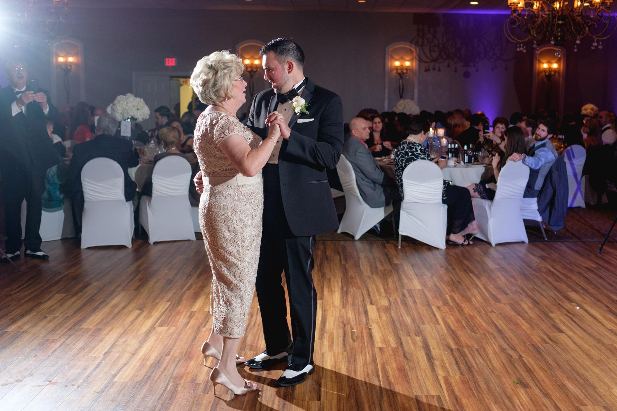 mia-josh-scranton-wedding-photography-093
